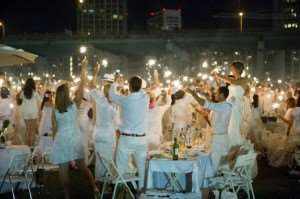 Diner en Blanc Sydney white dinner party entertainment lawn music tables chairs exclusive Distant Journeys escorted tours holidays Australia New Zealand flights accommodation travel breaks book online brochure