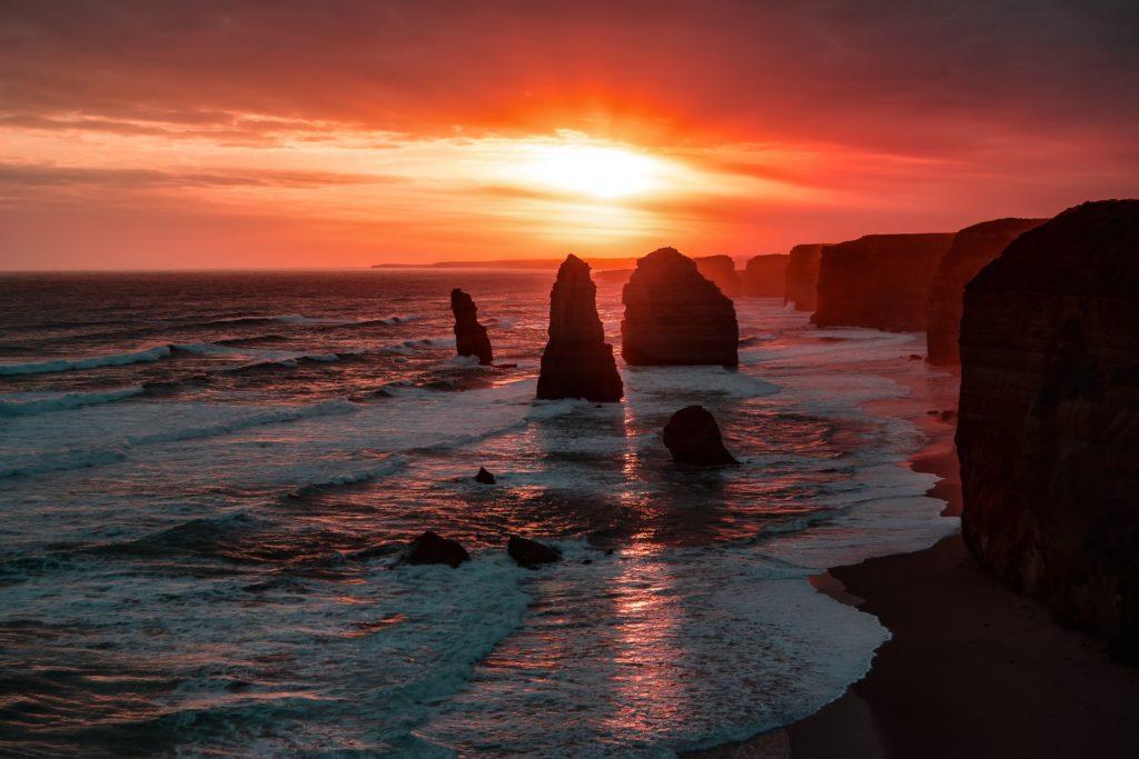 twelve aposteles orange sunset great ocean road