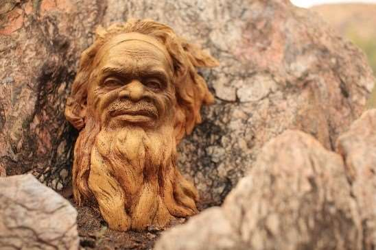 Clay head sculptures in Alice Springs escorted tours of Australia Distant Journeys