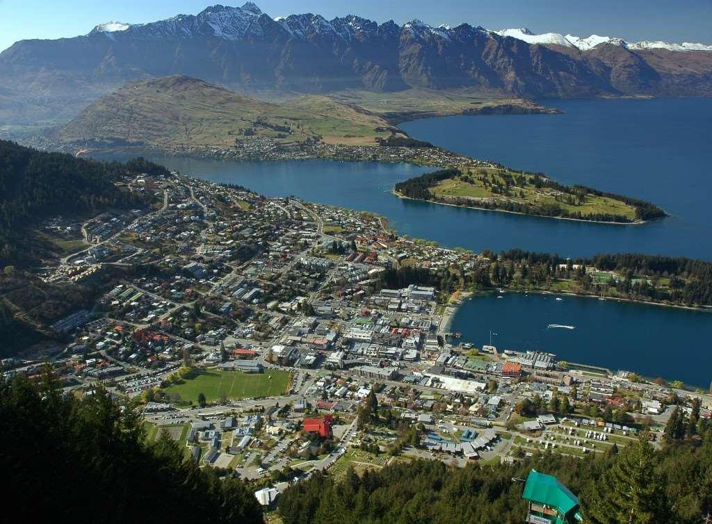 Aerial shot of Queenstown, New Zealand – Distant Journeys Tours