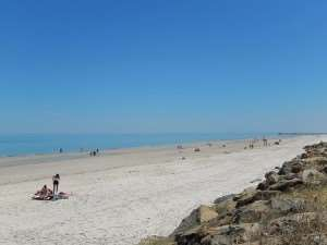 Henley Beach near Adelaide – visit on an Australia sightseeing holiday tour