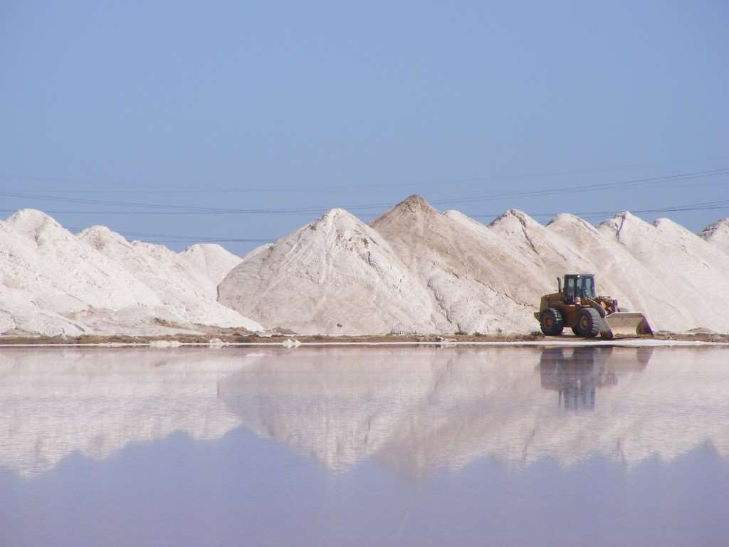 A picture of a tractor harvesting in the Australian salt fields.