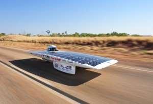 Solar power cars do tours of Australia