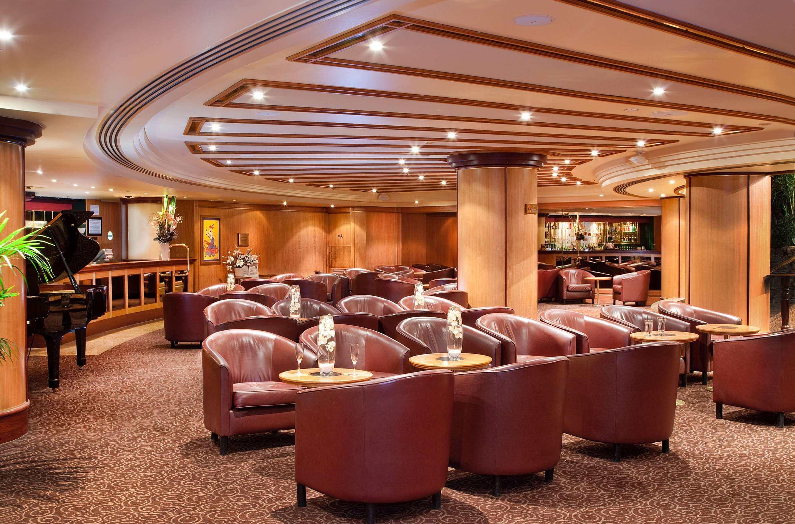 Stamford Plaza Adelaide lobby lounge