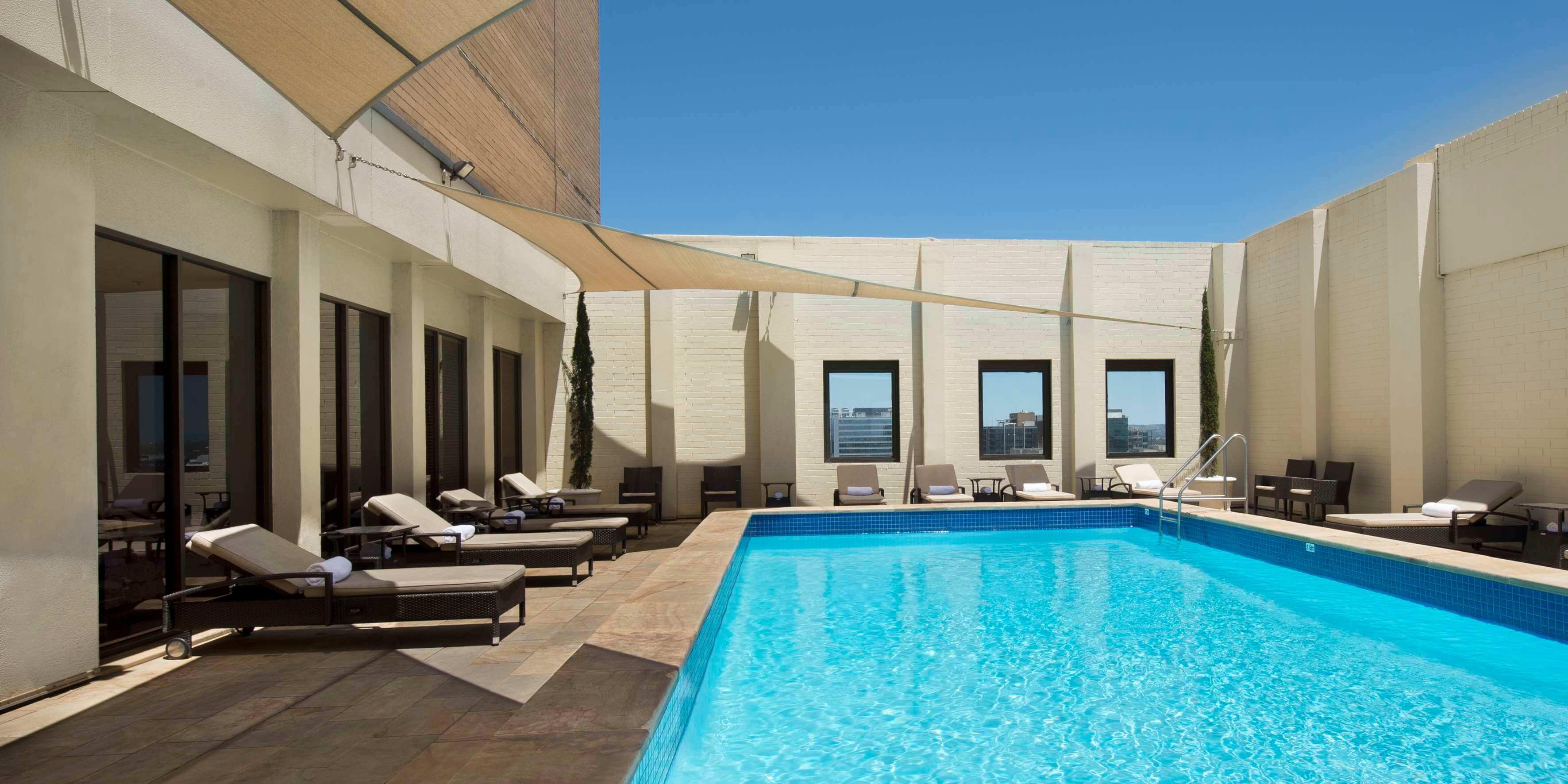 Stamford Plaza Adelaide pool