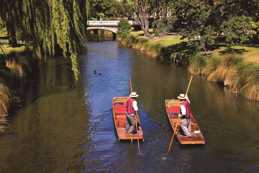 Christchurch punting on the Avon