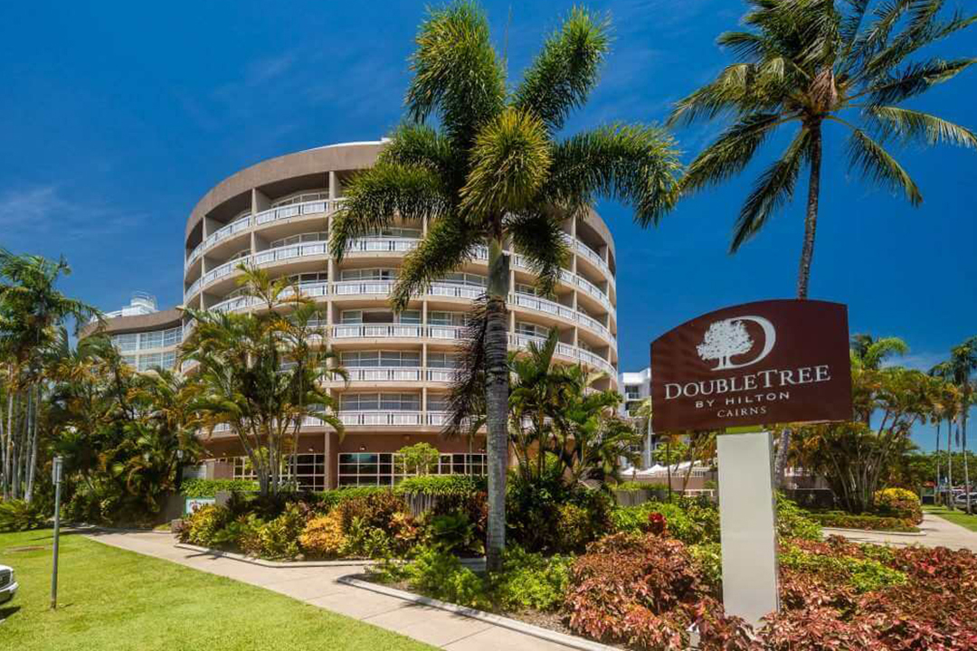 DoubleTree by Hilton Cairns exterior 2
