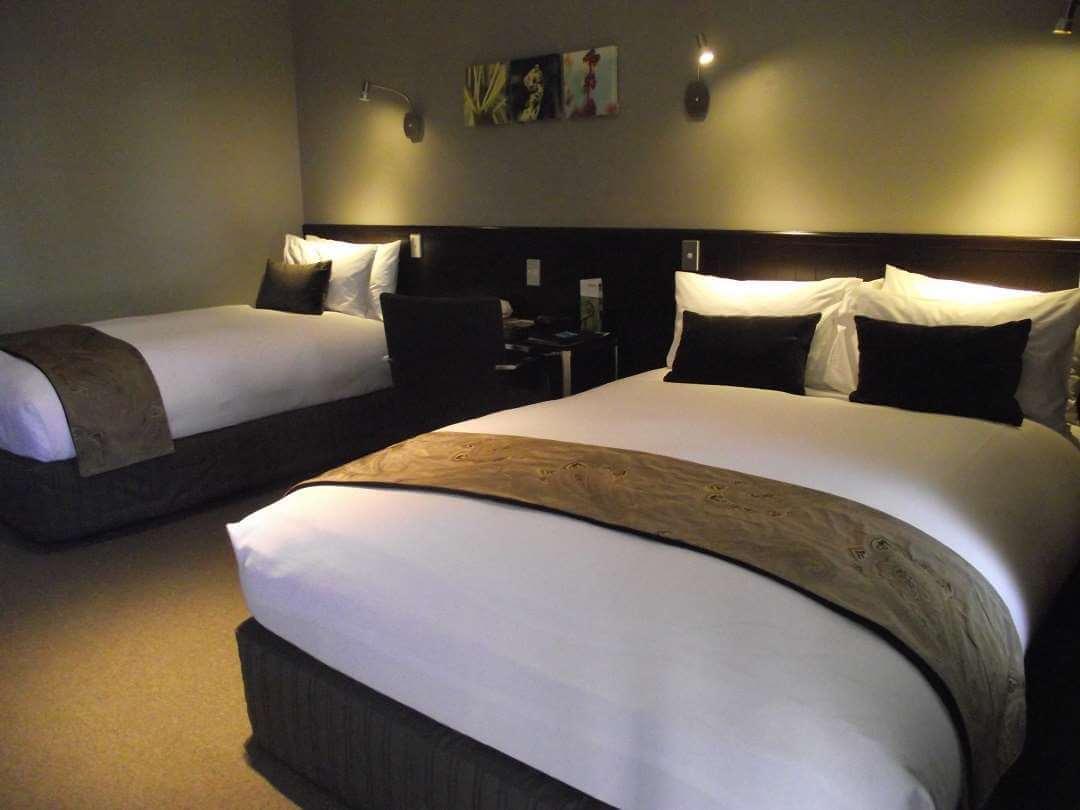 Scenic Hotel Franz Josef bedroom