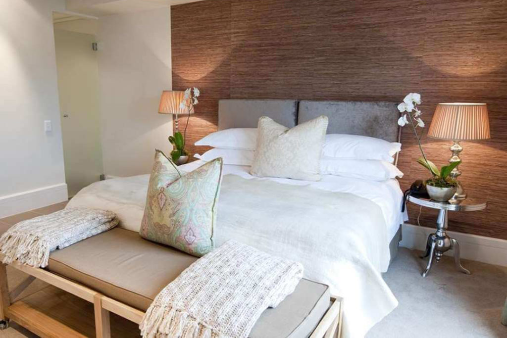 Knysna - Rex Hotel bedroom