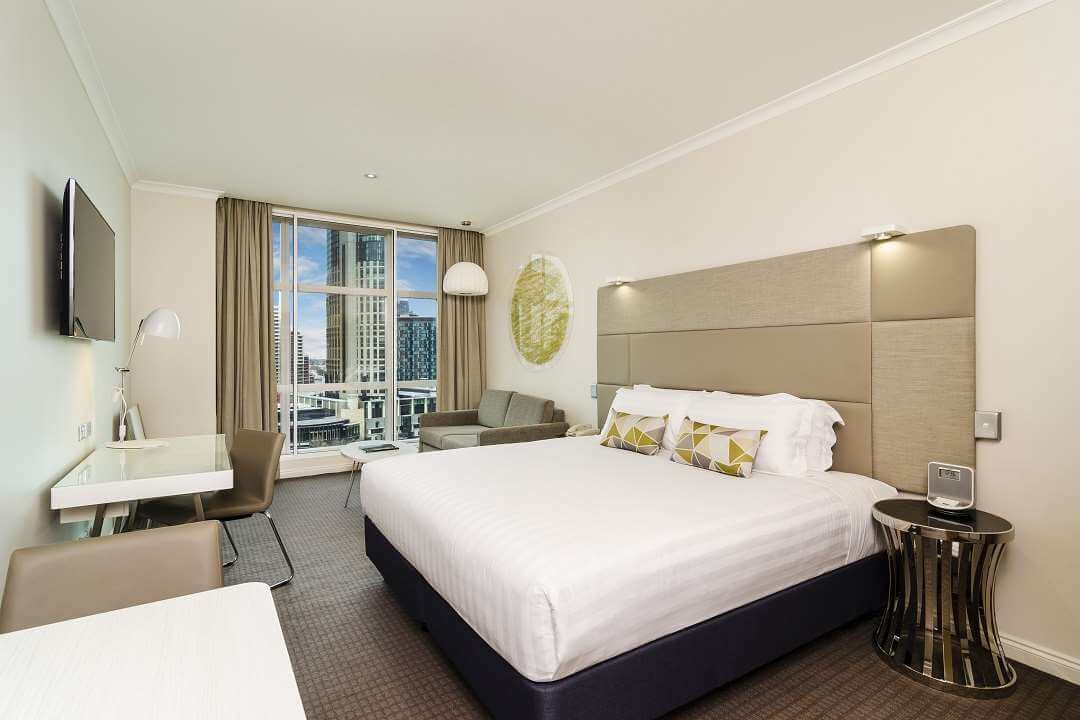 Clarion Suites Melbourne bedroom