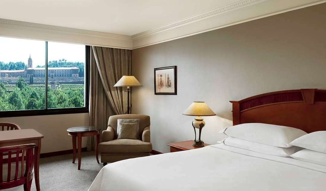 Sheraton Hotel Pretoria king room
