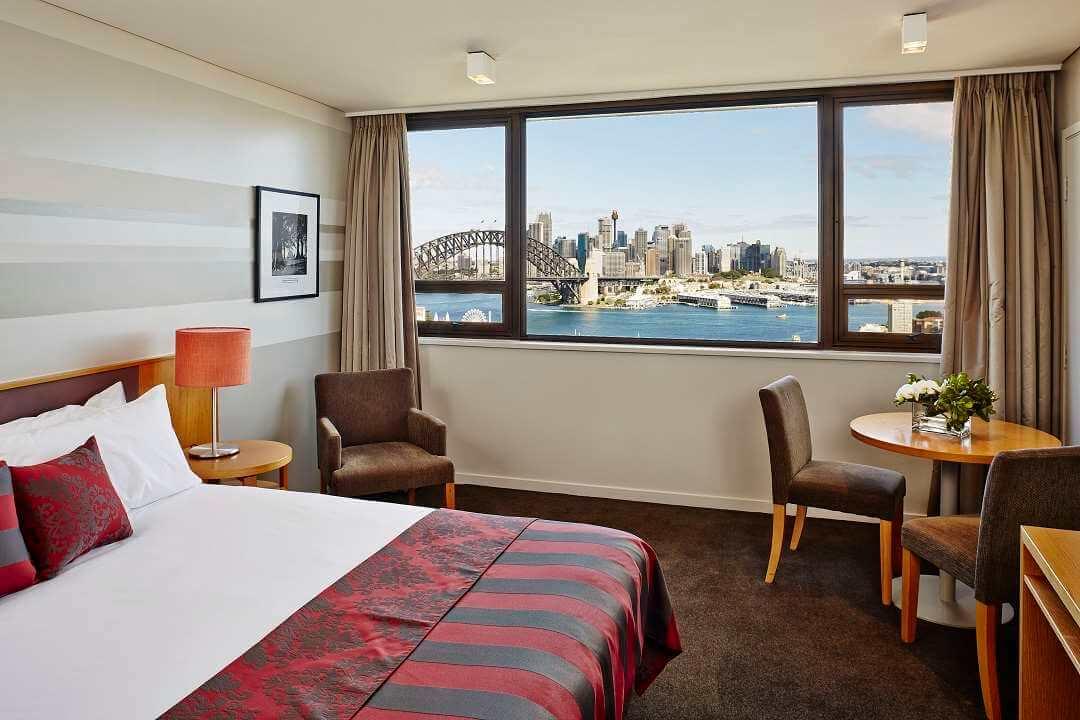 North Sydney Harbourview Hotel bedroom