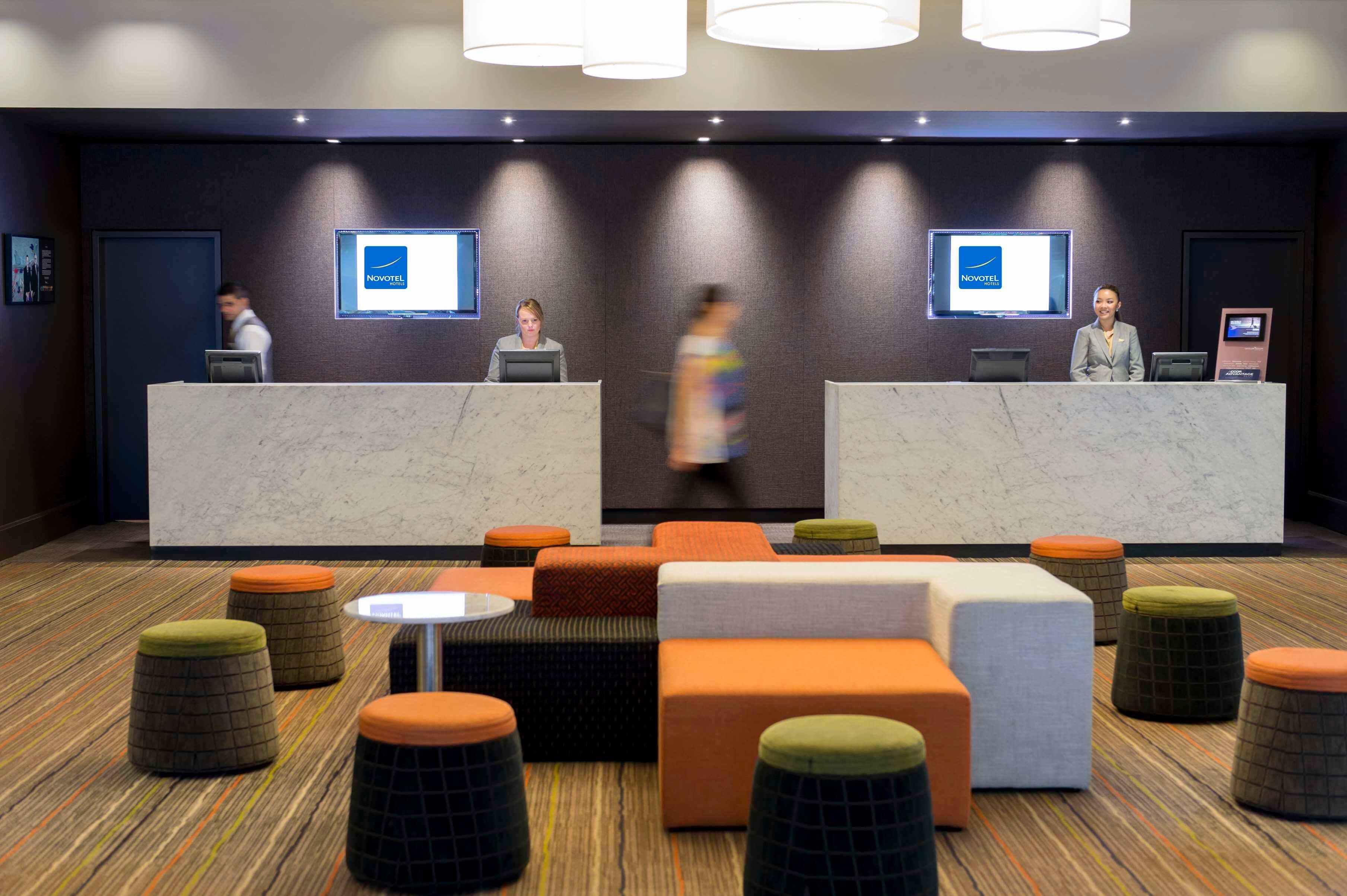 Novotel Central Sydney lobby