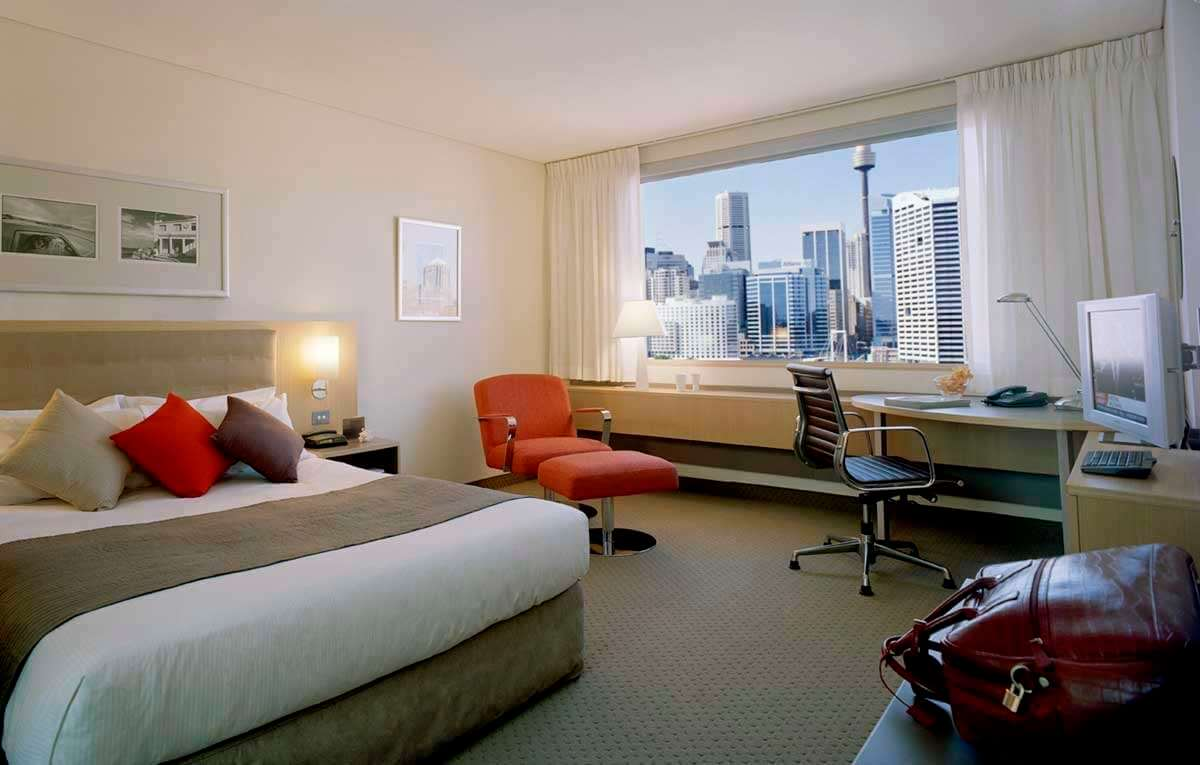 Novotel Darling Harbour bedroom