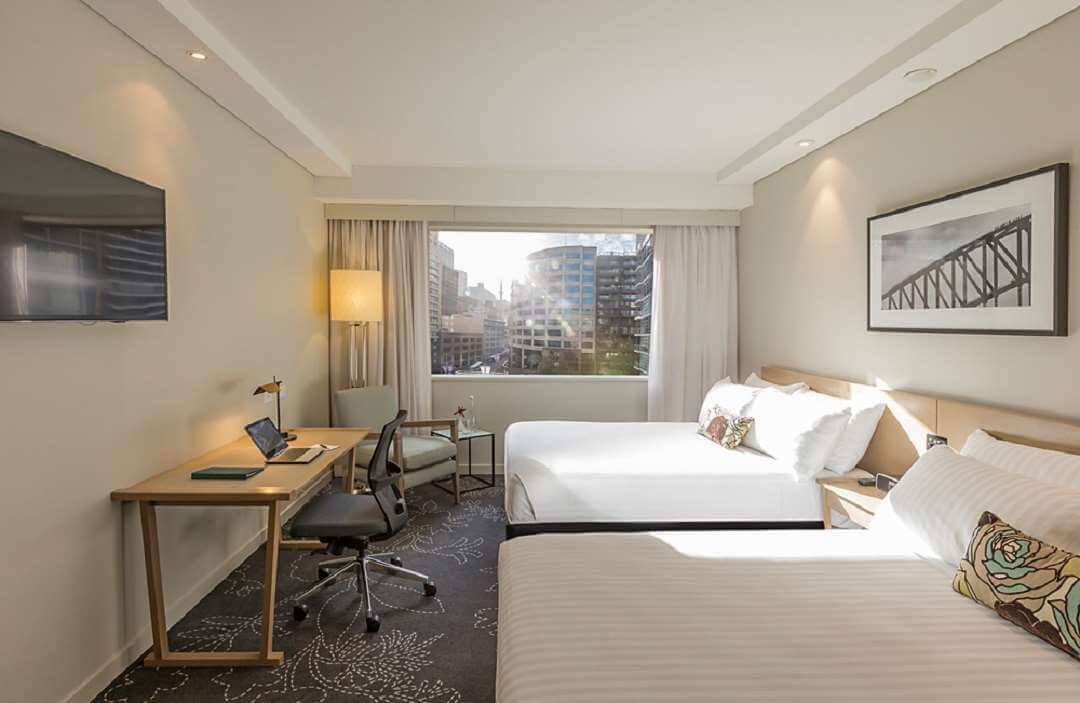 Parkroyal Sydney Darling Harbour twin room