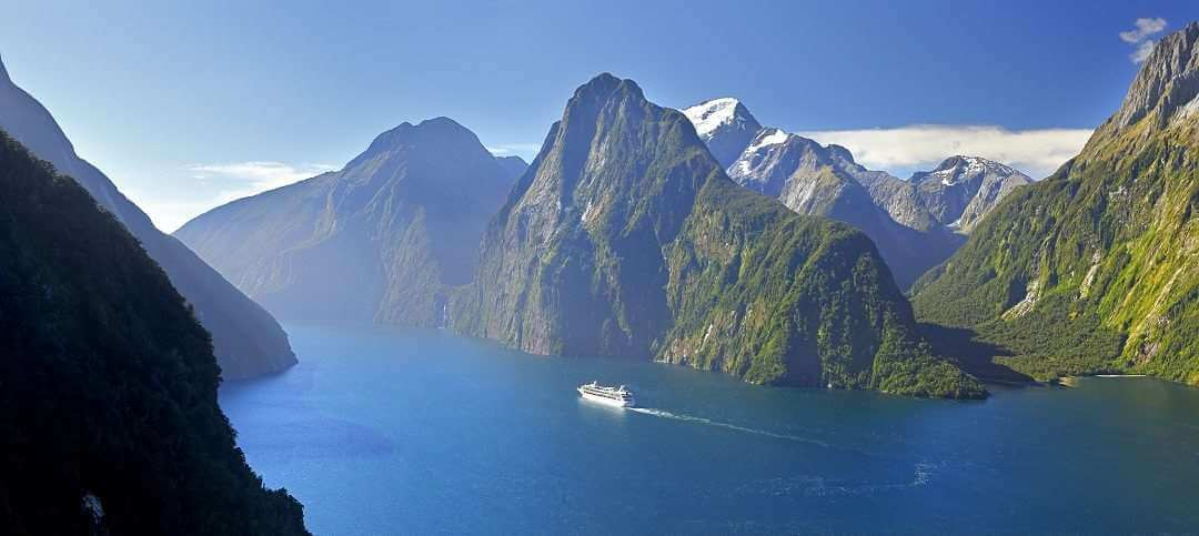 Queenstown Milford Sound