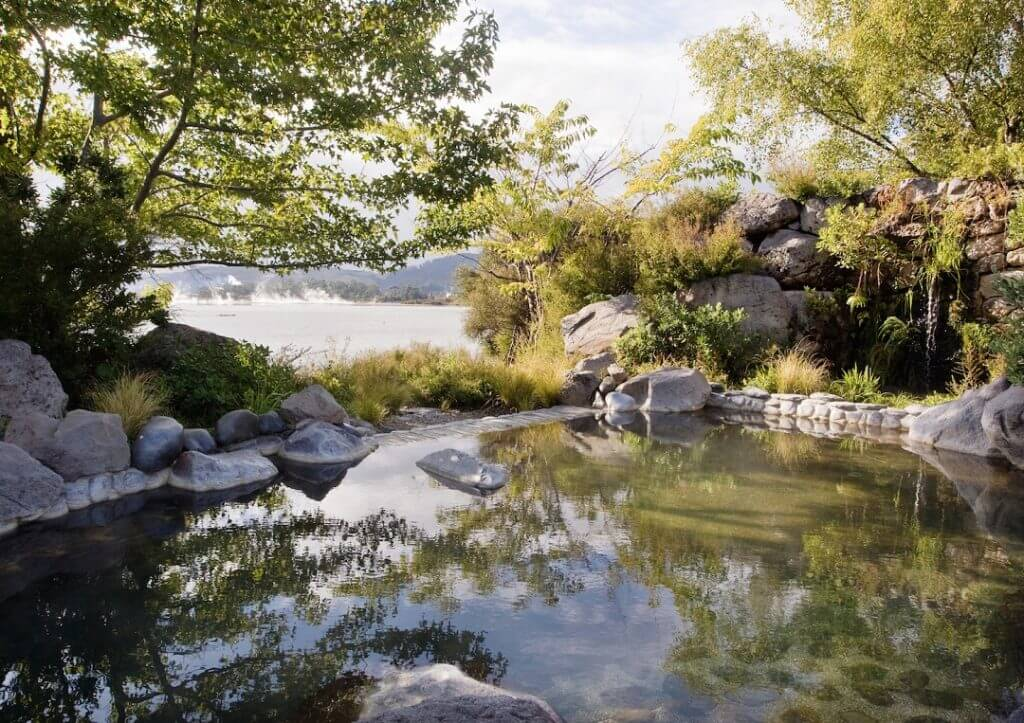 Polynesian Spa overlooks Lake Rotorua