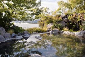 polynesian-spa-overlooks-lake-rotorua