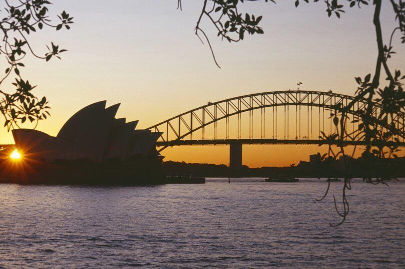 sydney bridge at dusk