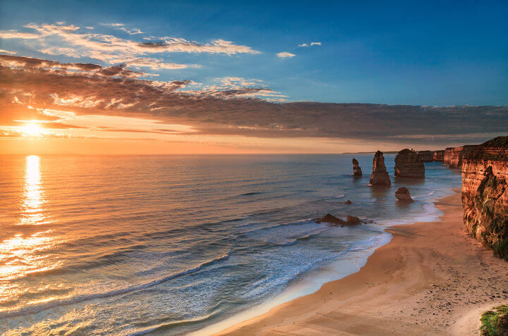 twelve apostles sunset great ocean road