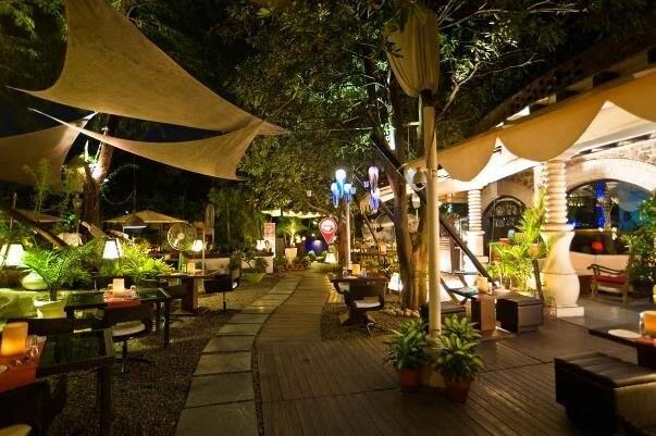 FIO Restaurant and Bar night
