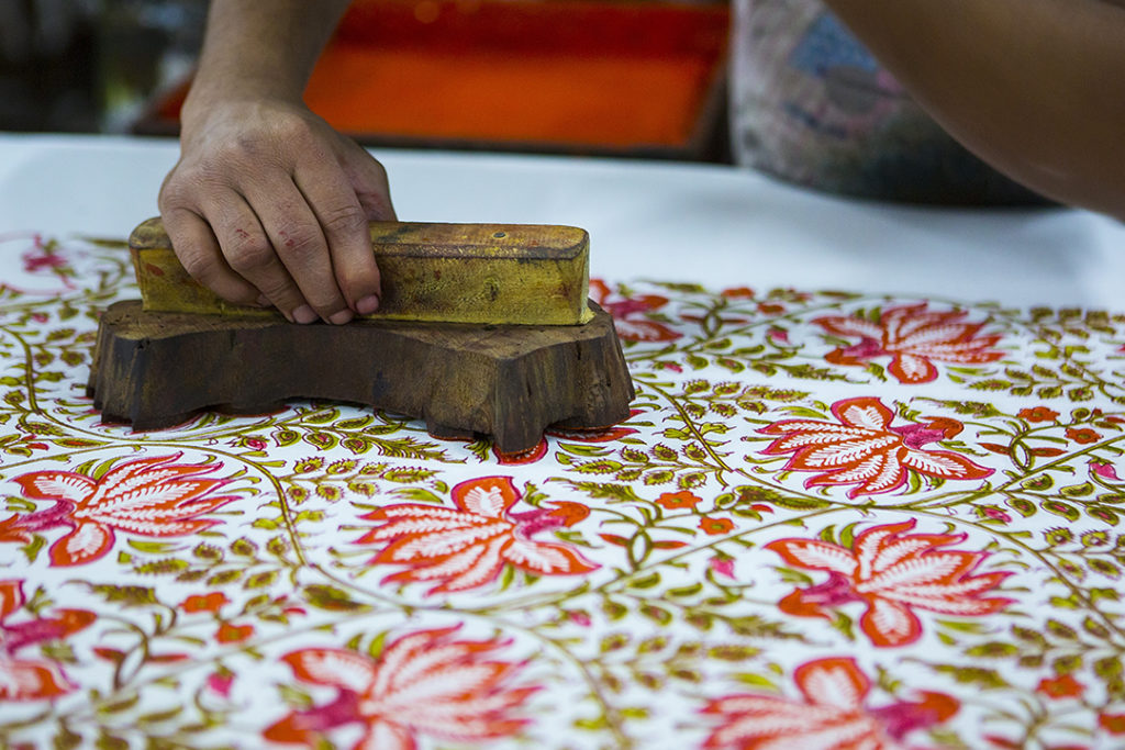 block-printing-and-blue-pottery-demonstration-tour