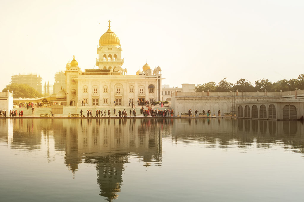 gurdwara-bangla-sahib-delhi-india