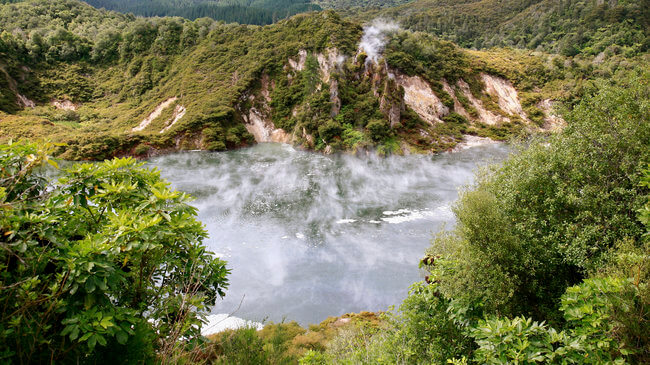 frying pan lake Waimangu volcanic valley new zealand