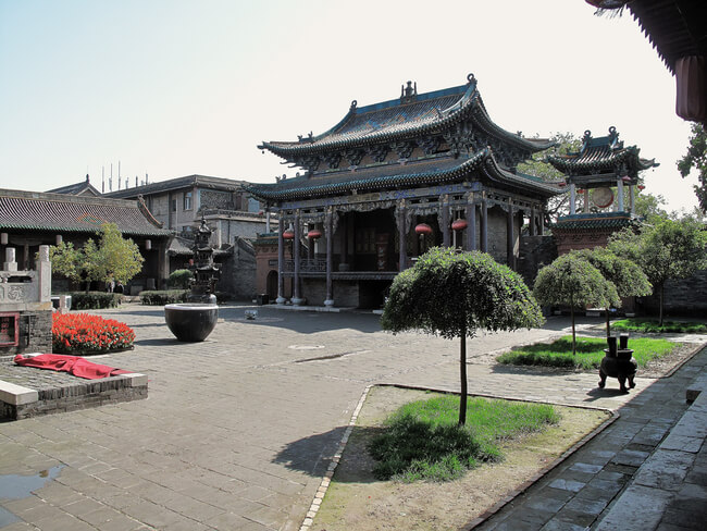 daoist temple courtyard daytime Pingyao