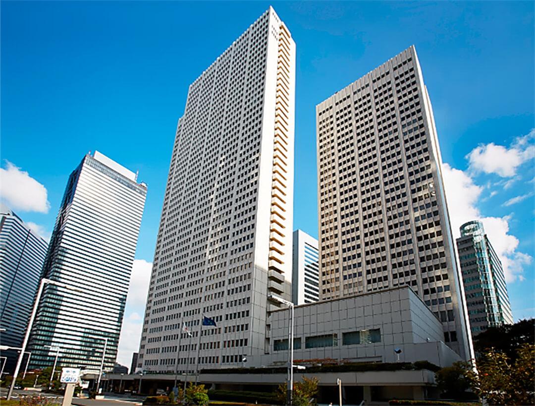 KeioPlaza-entire-building