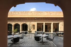 baradari-restaurant-at-the-city-palace-of-jaipur