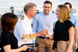 dinner-harbour-cruise-cairns-australia
