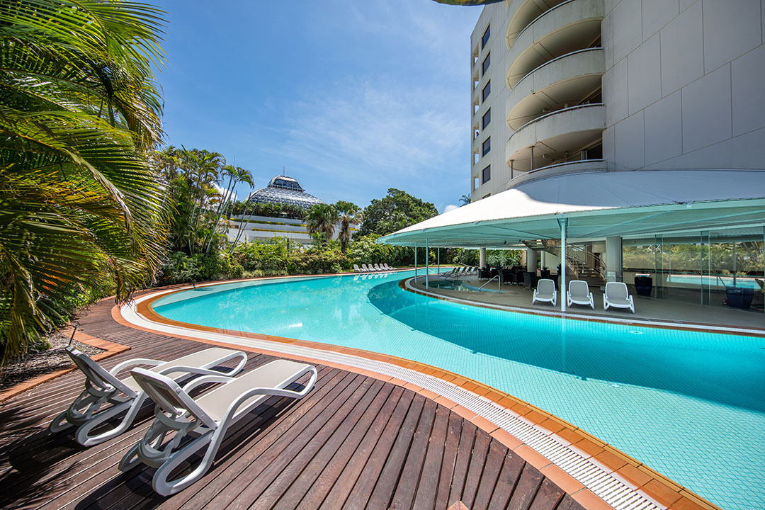 hilton-hotel-cairns-pool