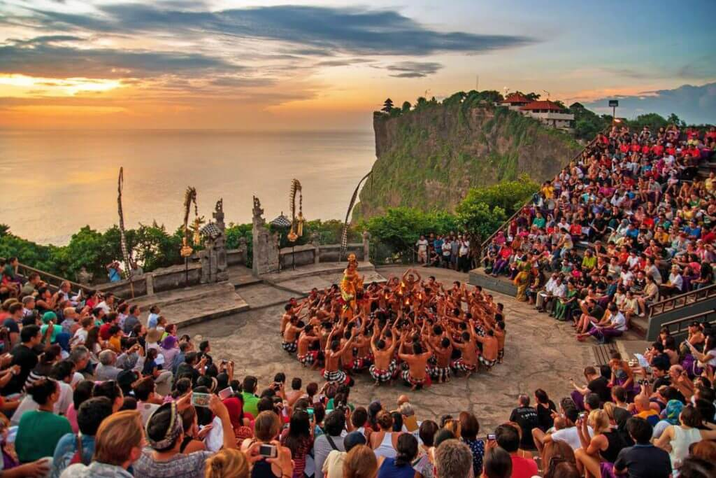 kecak-dance-at-uluwatu-temple