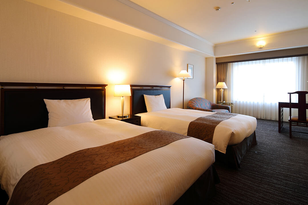 kurashiki-royal-art-hotel-guest-room