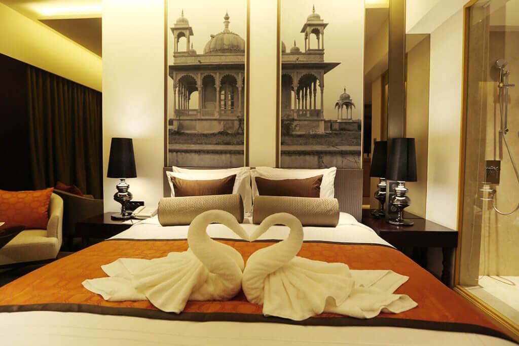 pride-plaza-aerocity-new-delhi-deluxe-room