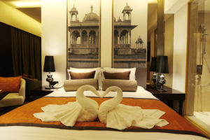 pride-plaza-aerocity-new-delhi-deluxe-room