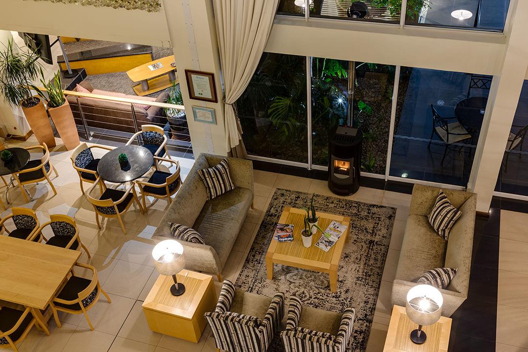 protea-hotel-knysna-quays-lounge
