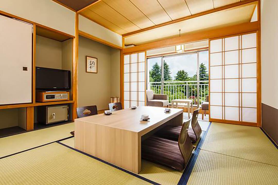 fuji-view-Kawaguchiko-japanese-room