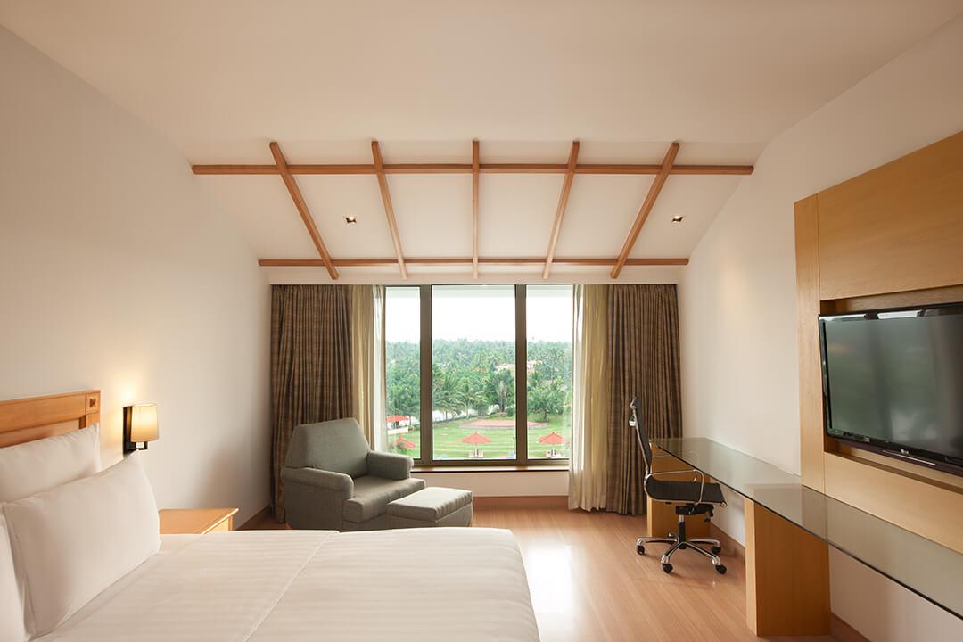 le-meridein-kochi-deluxe-room