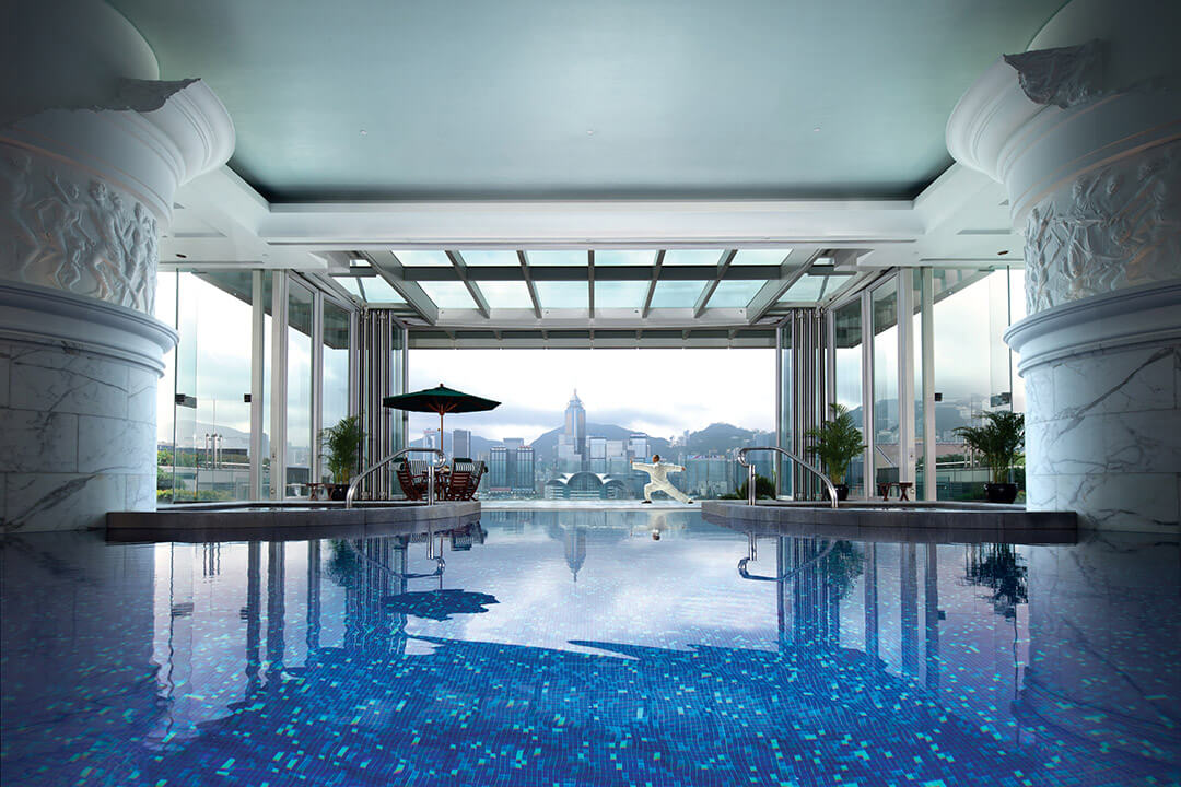 peninsula-hong-kong-swimming-pool