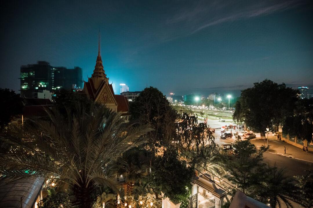 phnom-penh-palace-gate-hotel-skybar