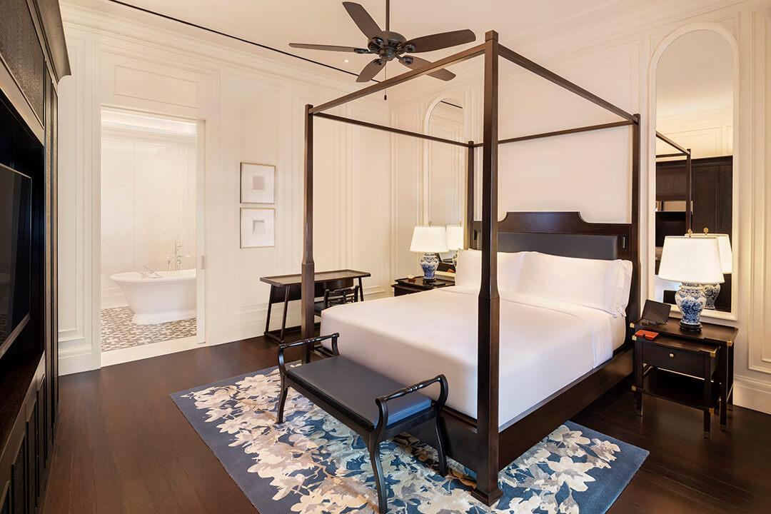 singapore-raffles-hotel-bedroom