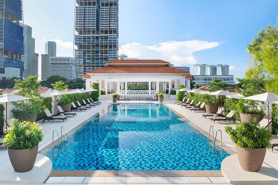 singapore-raffles-hotel-swimming-pool