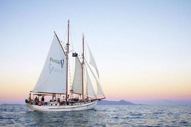 whitsundays sunset sailing
