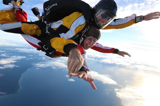 lake taupo skydiving new zealand