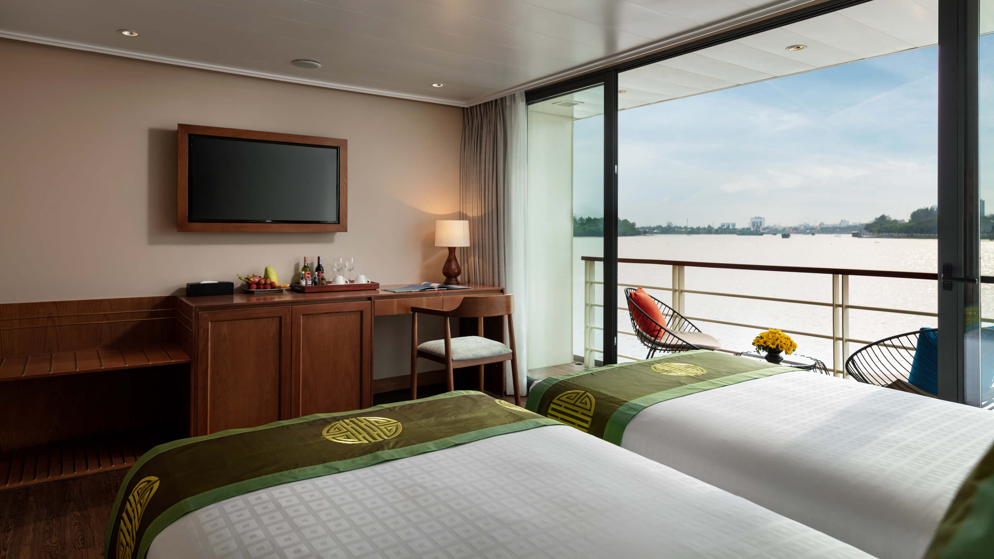 mekong-river-victoria-cruise-jacuzzi