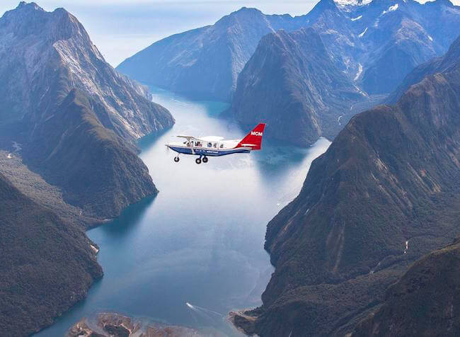 scenic flight milford sound