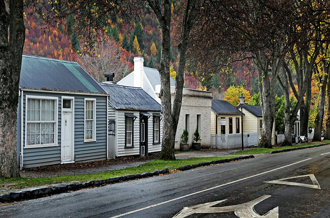 traditional small homes of quiet Arrowtown