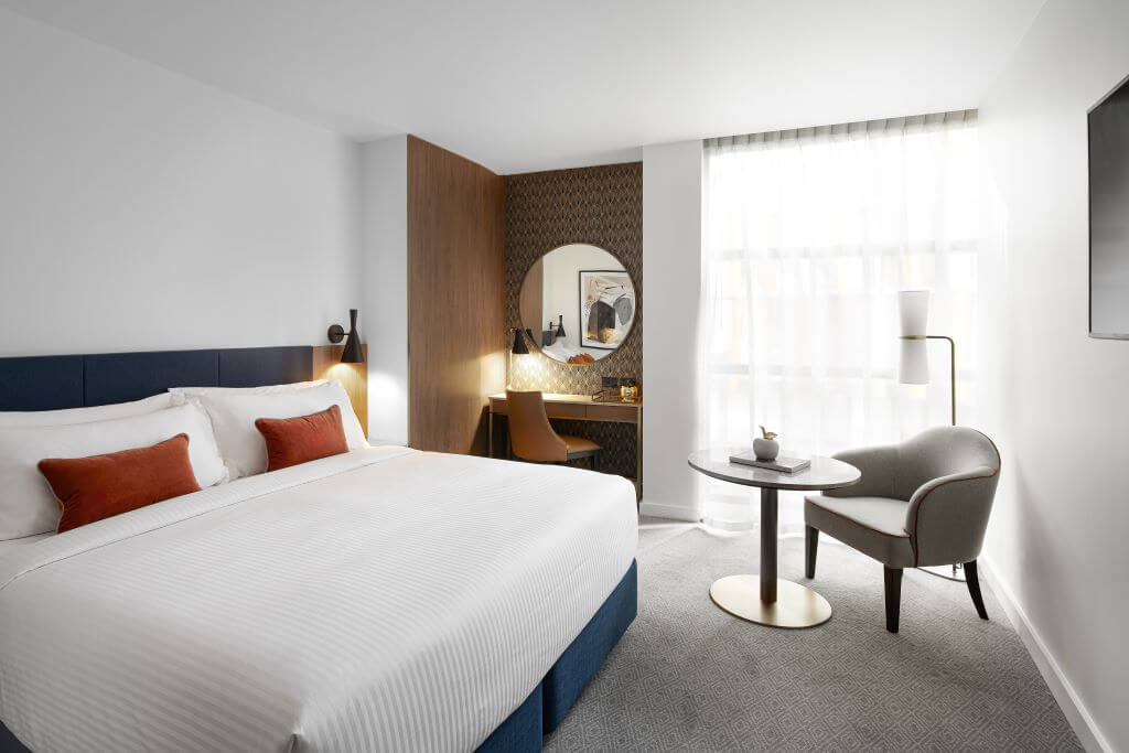 Guest Room at the Crowne Plaza, Darling Harbour